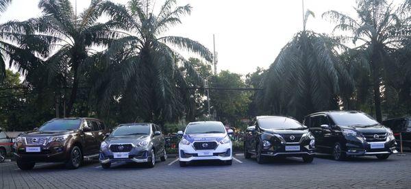 Foto beberapa model Nissan dan Datsun di Indonesia