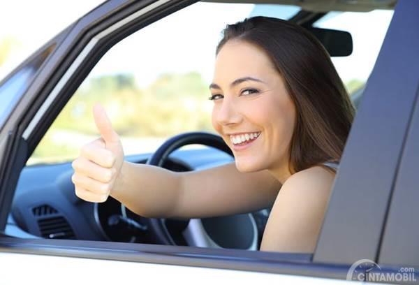 5 Hal yang Harus Diketahui Ketika Wanita Nyetir Mobil Sendiri Pertama Kali