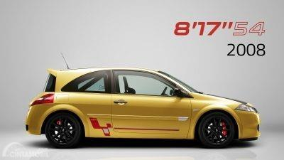 Gambar sebuah mobil  Renault Megane R.S Trophy-R 2008 berwarna kuning dilihat dari sisi samping