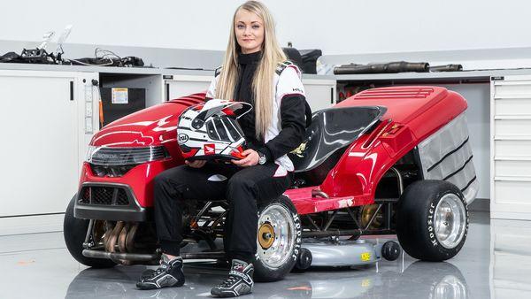 Jessica Hawkins, pengemudi Honda Mean Mower V2