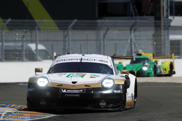 Porsche 911 RSR GT WEC saat tes jelang Le Mans 2019
