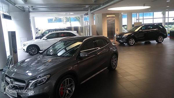 Penampakan salah satu dealer mobil bekas Mercedes-Benz yang menjalankan program Mercedes-Benz Certified.