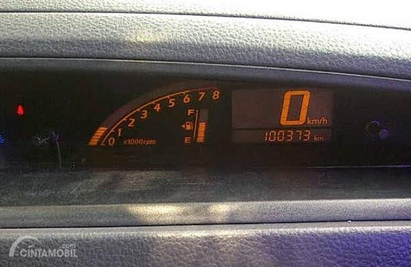 Setir Suzuki Aerio 2002 sudah dilengkapi Tilt Steering dan Speedometer Digital