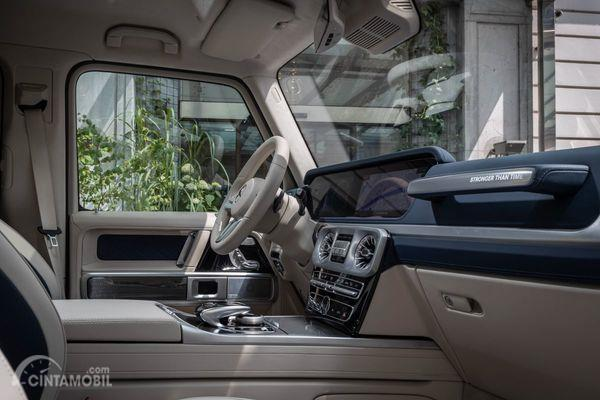 Foto interior pada Mercedes-Benz Stronger Than Time Edition