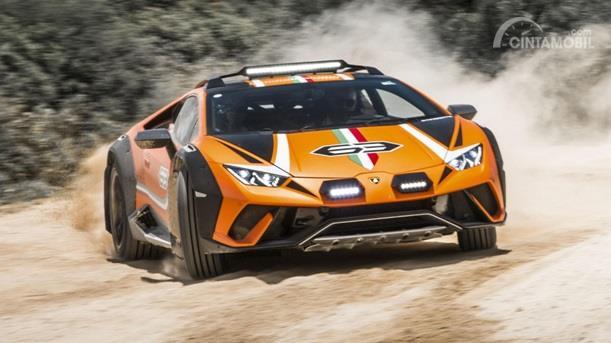 Eksterior Depan Lamborghini Huracan Sterrato 2019 sudah dilengkapi lampu LED dan Skid Plate