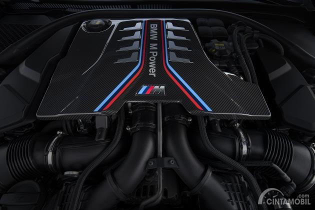 Mesin  BMW S63B44T4 twin-turbo V8 dipakai untuk mobil BMW M8 Competition Cabriolet 2020
