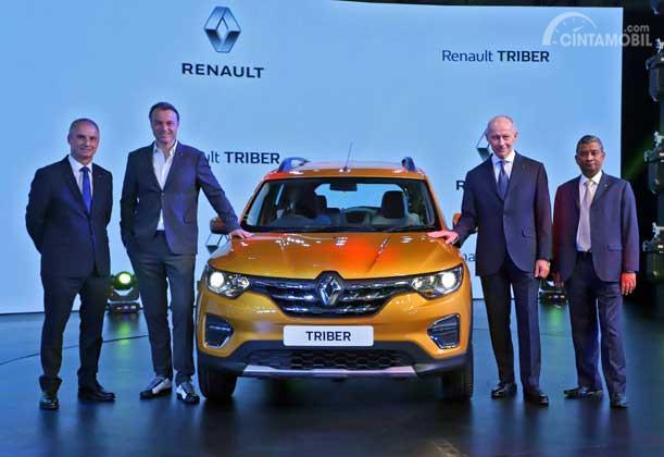 perkenalan pertama Renault Triber 2019 berwarna kuning di India