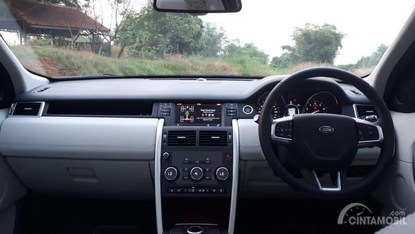 Desain dasbor dan setir Land Rover Disovery Sport 2.0 HSE 2019
