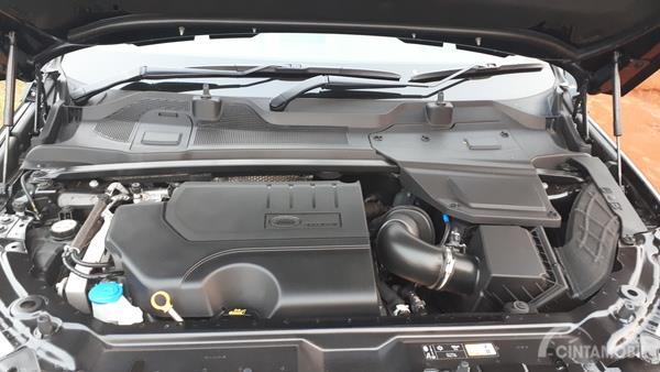 Foto mesin Ingenium 4 yang digunakan Land Rover Discovery Sport 2.0 HSE 2019