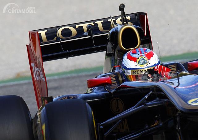 Spoiler pada mobil balap F1
