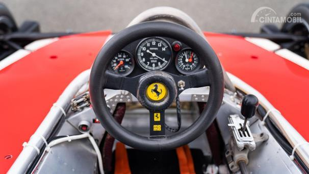 Kokpit Ferrari 312T yang digunakan Niki Lauda