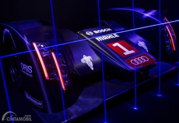 Teknologi Laser LED di Audi R18