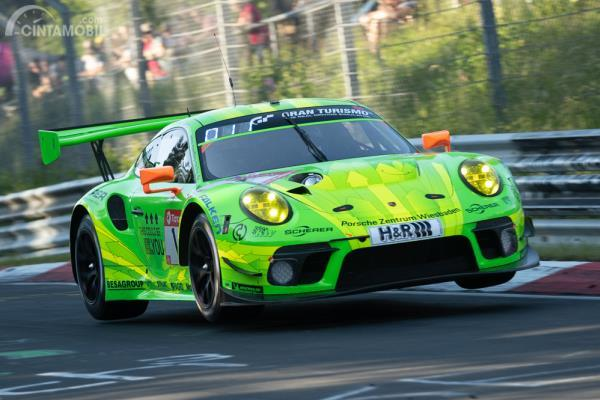 Porsche 911 GT3 RS Manthey Racing Nurburgring 24 hours
