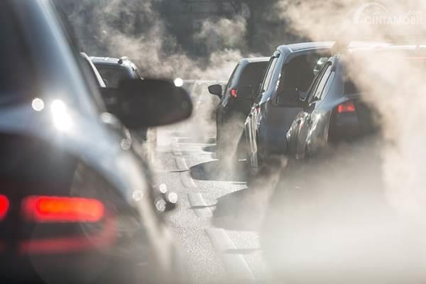 polusi udara dari knalpot mobil