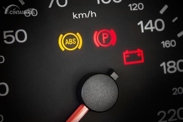 Lampu Indikator Rem ABS Jeep Wrangler JK Menyala Setelah Off-Road, Kenapa?