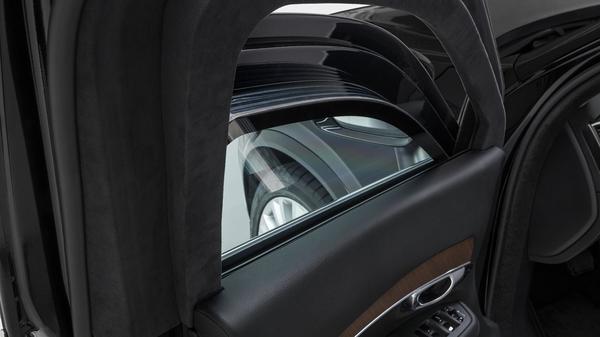 Foto kaca anti peluru pada Volvo XC90 Armored