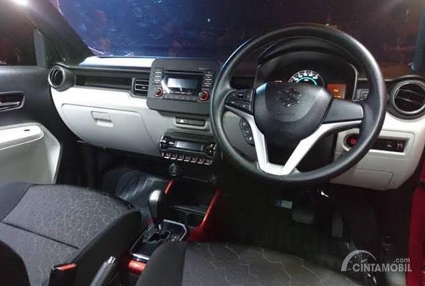 Interior Suzuki Ignis sudah dilengkapi dengan panel AC Digital serta Start Stop Button