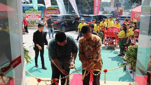 Perkuat Jaringan Penjualan Dan Aftersales Di Banten, DFSK Buka Diler Baru Di Serang