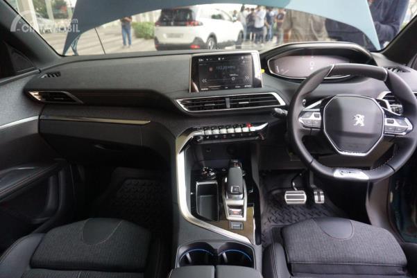 Desain kokpit New Peugeot 5008