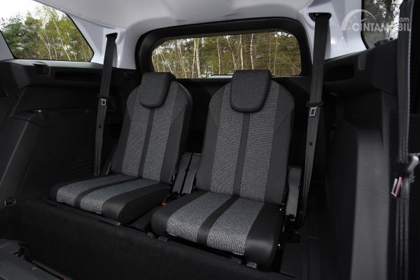 Desain kursi baris ketiga pada mobil New Peugeot 5008 2020