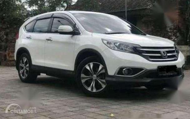 Honda CR-V 2015 berwarna putih dijual Rp. 160 juta di Bali