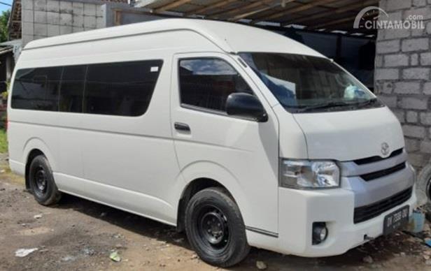 Toyota Hiace High Grade Commuter 2016 merupakan mobil yang sangat cocok untuk bisnis wisata khususnya di Bali