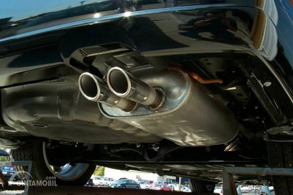 Knalpot Mobil Bocor, Bikin Bau dan Mesin Ngempos