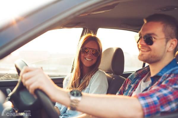 Nyetir Jadi Kacau, Hindari 4 Tipe Teman Berkendara yang Menyebalkan Ini