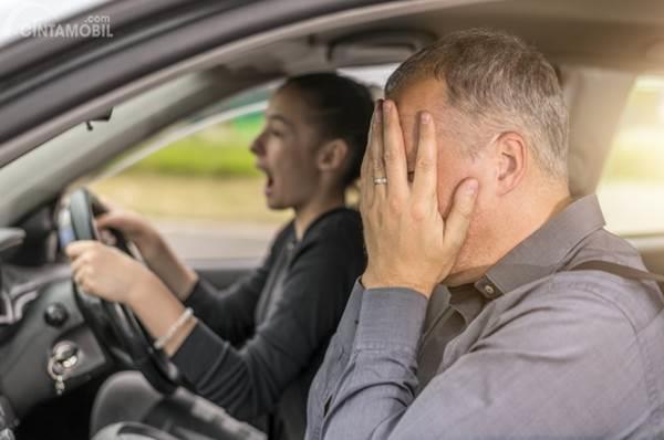 pengemudi marah