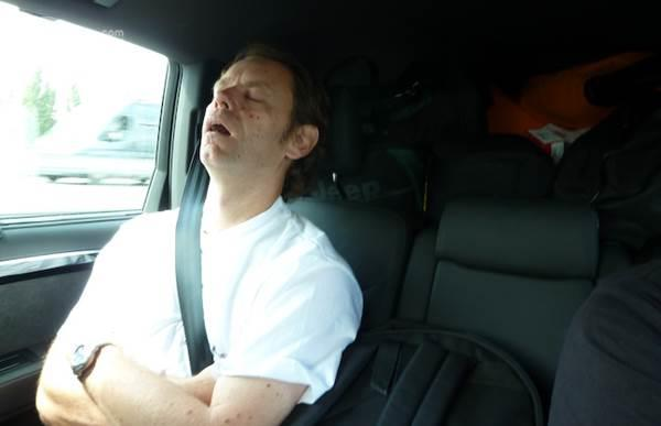 penumpang tertidur