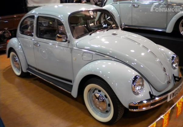 VW Beetle Ultima Edicion warna Light Metalic Blue