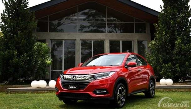 Honda HR-V memiliki tampilan agresif dipadu warna merahnya yang Eye Catching