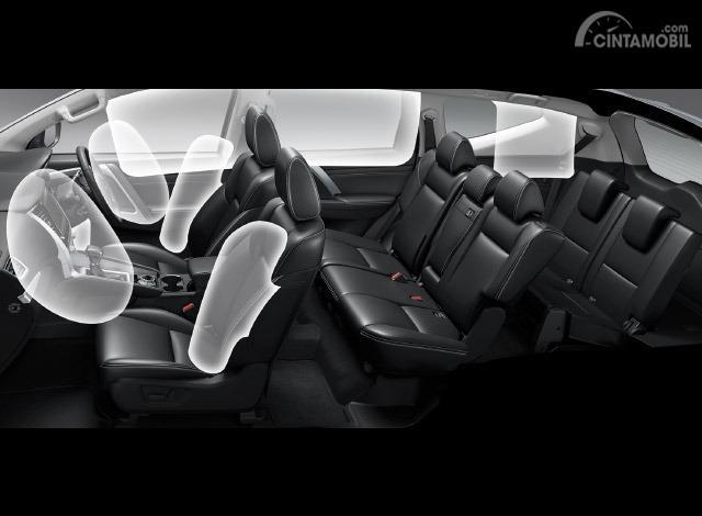 Di Mitsubishi Pajero Sport 2019 dilengkapi dengan 7 Airbags yang melindungi pengguna dari bahaya jika terjadi tabrakan atau kecelakaan