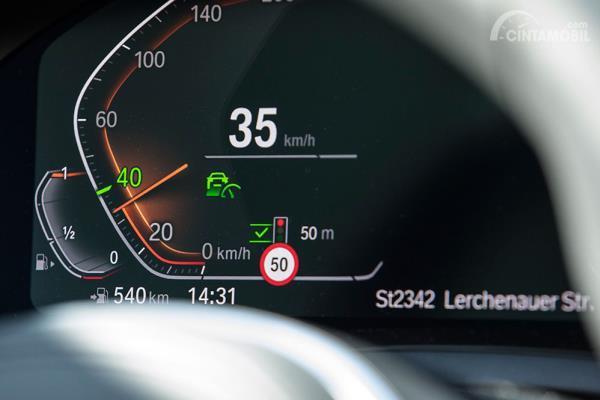 Instrument cluster BMW Urban Traffic Recognition