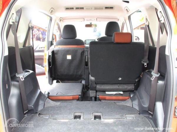 Konfigurasi kursi belakang Toyota Sienta