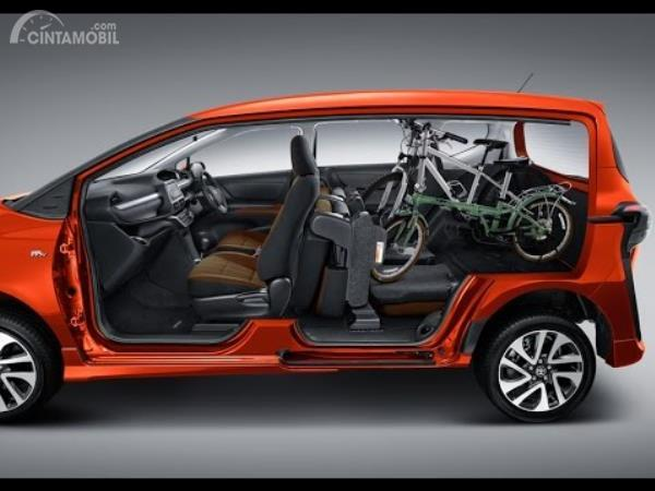 Lebih Dekat Dengan Fitur Dive In Toyota Sienta Yang Fleksibel