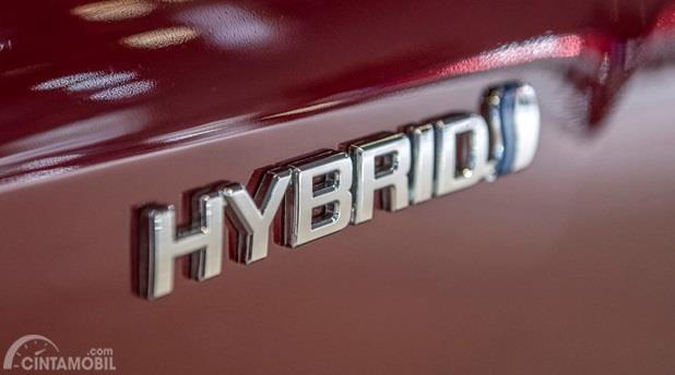Mesin Toyota Highlander 2020 juga menyediakan konfigurasi Hybrid, mengandalkan mesin utama dan motor listrik