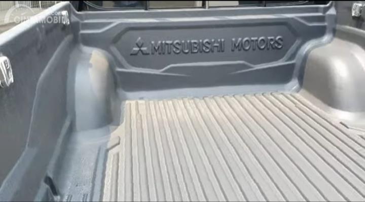 Gambar menunjukkan Bak angkut Mitsubishi New Triton HDX D-Cab 4WD M/T 2019