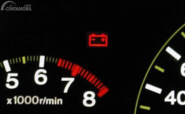 indikator baterai di mobil