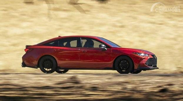 Fitur Toyota Avalon TRD 2020 hanya berubah dari penambahan fitur eksterior serta konfigurasi suspensi lebih mumpuni