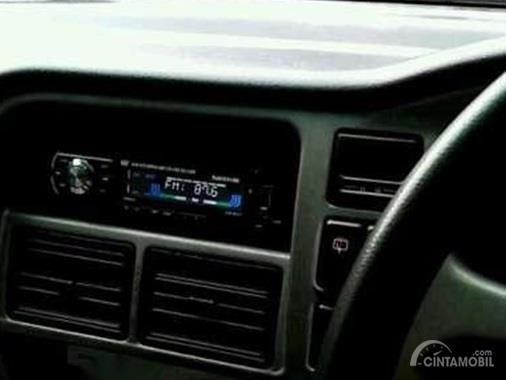 Fitur Chevrolet Tavera 2001 tergolong lengkap tapi kesannya masih standar saja