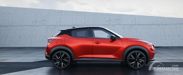 Eksterior Samping Nissan Juke 2019 kini menggunakan pelek berukuran lebih besar di angka 19 inci