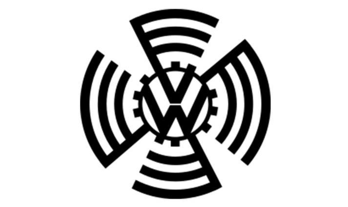 logo pertama Volkswagen berwarna hitam