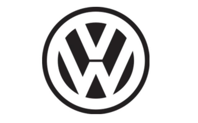 logo ketiga Volkswagen berwarna hitam