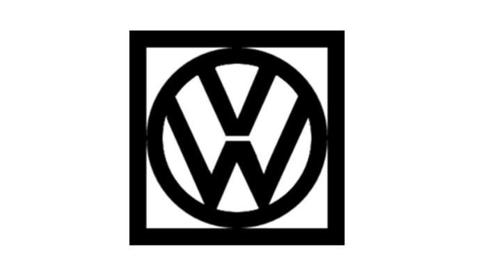 logo keempat Volkswagen berwarna hitam