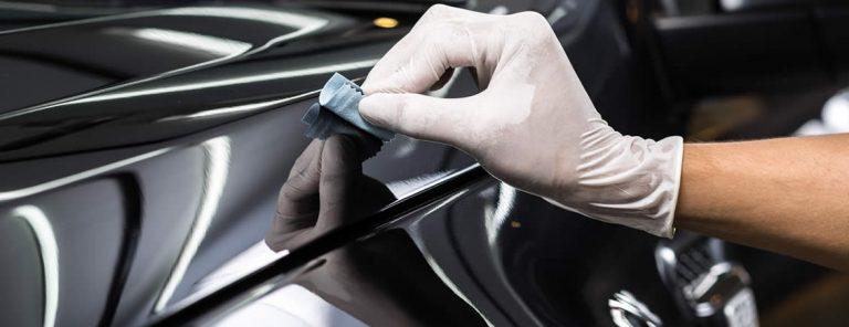 Cara memoles mobil dengan tangan