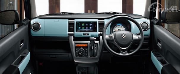 Dashboard Suzuki Hustler 2018 dikemas cukup futuristik dengan kombinasi warna seger