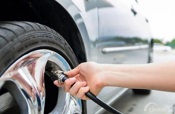 Pengisian Tekanan Angin Ban Mobil diharapkan sesuai dengan Psi dan ukuran ban itu sendiri