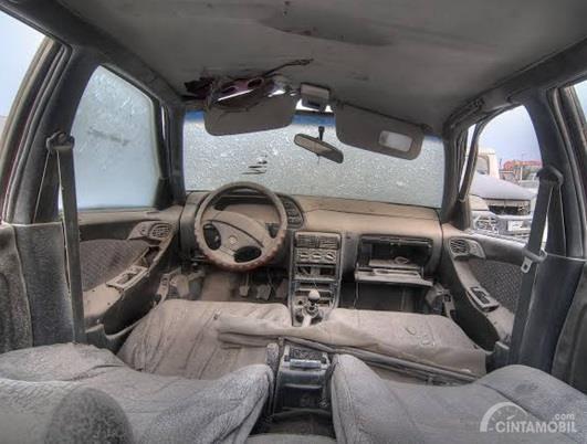 Kabin interior mobil kotor tentu akan berakibat pada kesehatan para penumpang dan butuh penanganan khusus soal menjaga kebersihannya