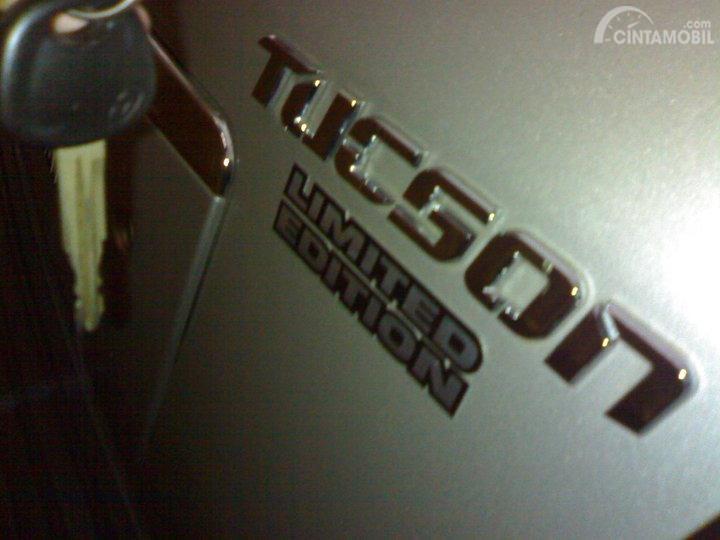 Gambar menunjukkan Hyundai Tucson GLS 2005